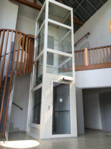 ascenseur de maison interieur pour un accès étage en public